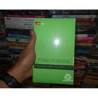 Buku Novel Teman Tapi Menikah ( #temantapimenikah ) jilid 2 By Ayudia Bing Slamet & dittopercussion