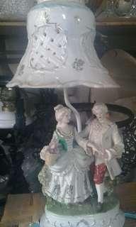 Lampu antik patung eropa T.kap 50cm dan T.patung 25m