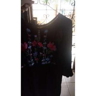 blouse / blouse korea/ black and white/ blouse salur/ stripe blouse/ blouse kerja/ blouse kuliah/ formal blouse/ B&W / blouse import/ top sabrina/ zalora/ zara/ zilingo/ blouse santai/ blouse korea/ blouse sabrina/ baju import/ pakaian import/ free ongkir
