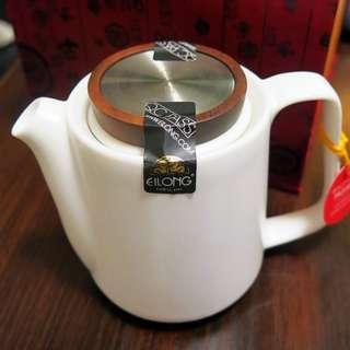 全新茶具套裝(茶壼、公道壼、6茶杯)