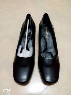 24.5cm 39號 方頭 日本品牌 女裝 返工鞋 皮鞋 矮踭 低跟 low heel 酒店 空服 客服