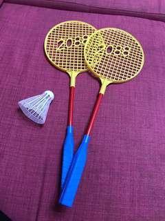 🚚 兒童玩具。羽毛球拍組
