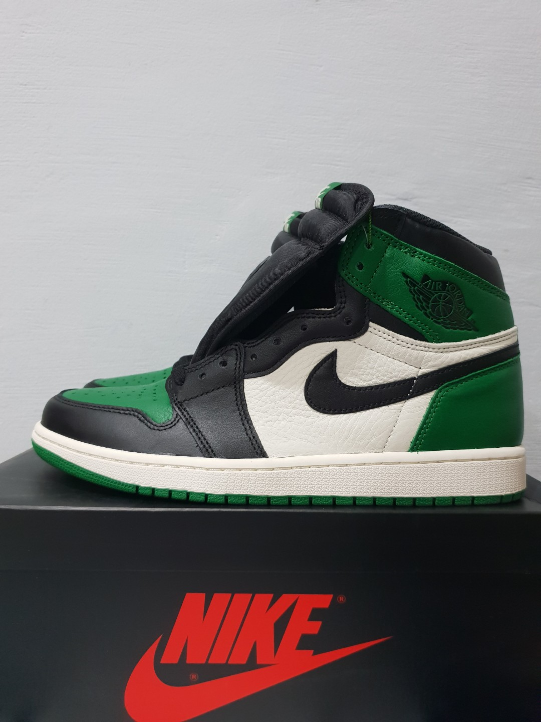 644b585012855f Nike Air Jordan 1 Pine Green US 10.5 BNDS