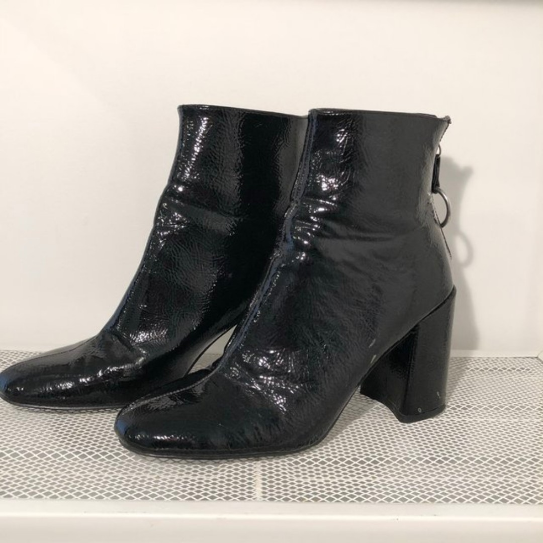 10496a8a452c Patent leather boots