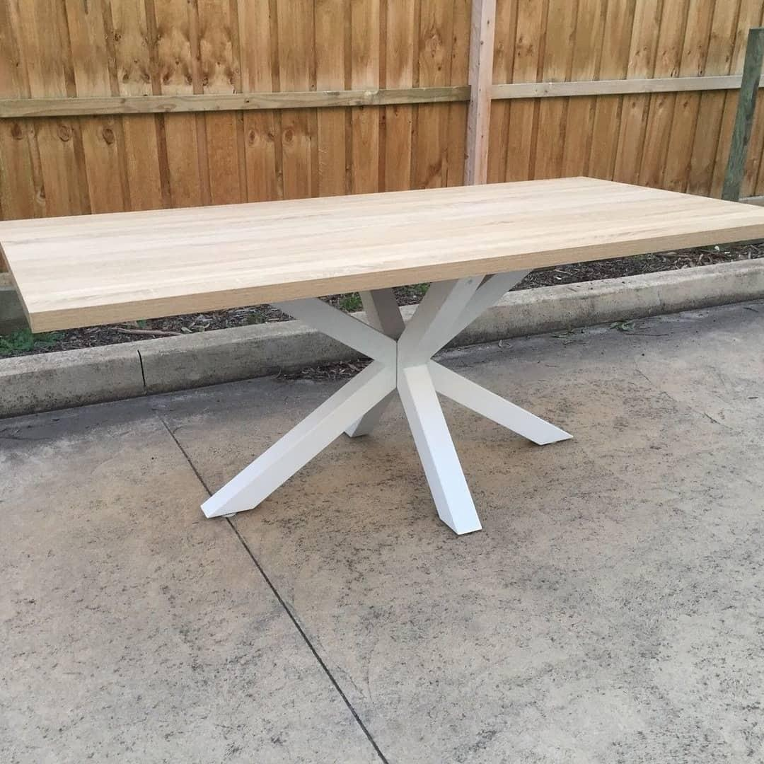 Ryan dining table
