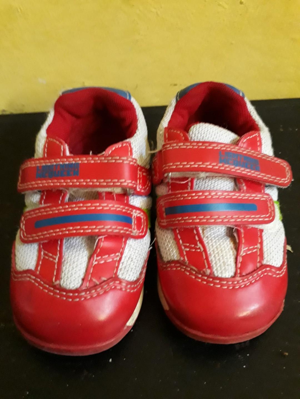 Sepatu sport macquen size 21