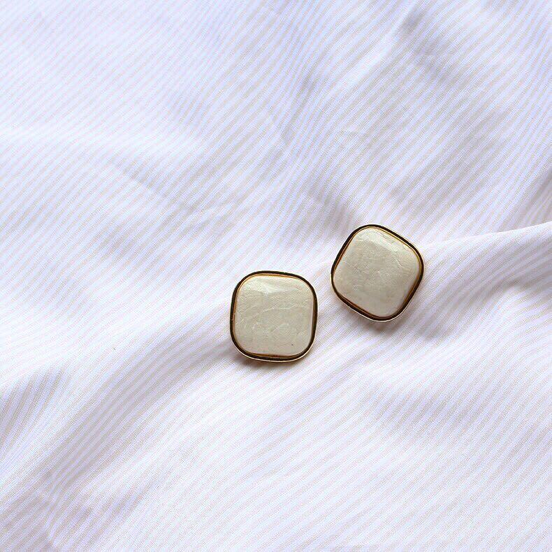xiaoci 小飾.集 復古奶油方塊耳環