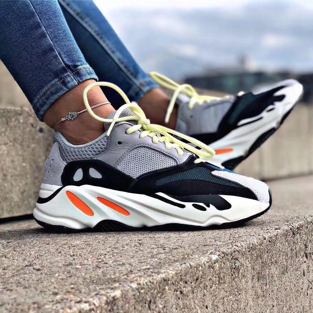 info for 3a477 11b57 Yeezy Boost 700 Wave Runner US5 & US5.5, Women's Fashion ...