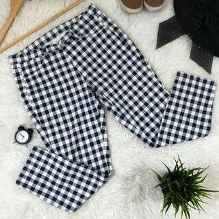 Uniqlo Checkered Cropped Pants