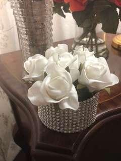 Stylish floral metalic vase