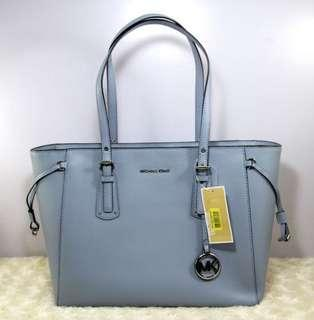 MICHAEL KORS Voyager MD Multifunction Top Zip Leather Tote Bag -PALE BLUE