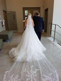Cathedral tulle veil with lace scalloping