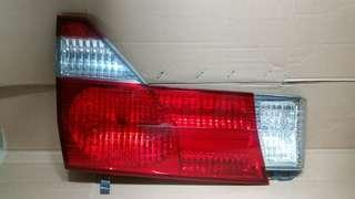 Toyota ALPHARD 10系左邊尾冚燈(左) 正廠