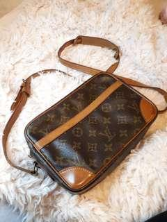 Authentic Louis Vuitton Vintage Crossbody