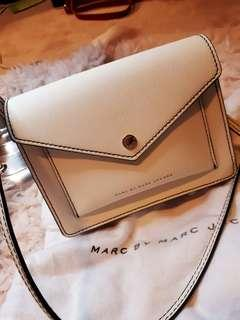 Marc Jacobs Crossbody + Dust bag