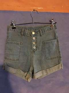 High waisted shorts size M