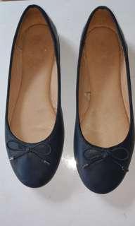 Parfois Pre-loved flats shoes Navy Blue Size 7