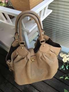 Louis Vuitton Mahina L size