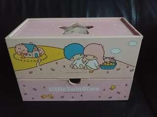 Little twin stars 2002產品木紙巾收納盒