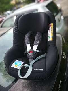 Maxi Cosi Two Way Pearl Car Seat