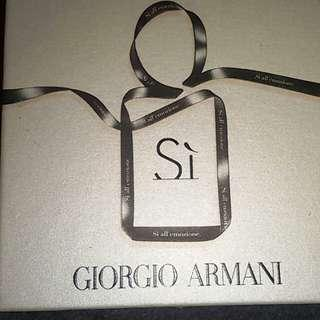 Authentic Giorgio Armani Sí perfume