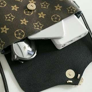 [ READY STOCK ] MINI VIVI STAR SLINGBAG