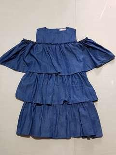 Openshoulder denim dress