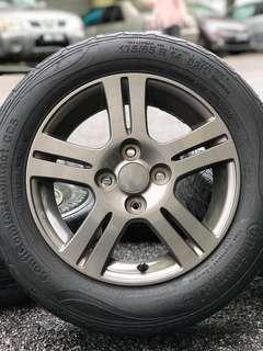 Original sports rim myvi se2 14 inch tyre 70%