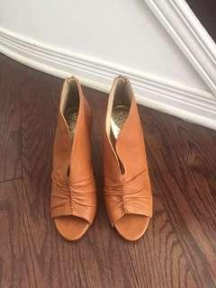 Vince Camuto Leather heels size 8 (38)