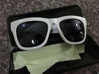 🚚 贈送 造型眼鏡