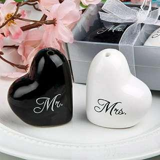 """Mr & Mrs"" Salt And Pepper Shaker Wedding Gifts/Doorgifts/Favours"