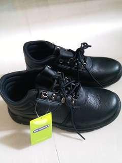 (聖誕大減價)名牌子DR.KONG安全鞋 EUR40,UK6.5 短BOOT