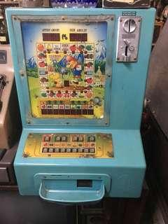 Old 777 slot machine (casino)