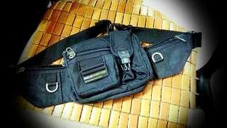 7 zippers belt bag