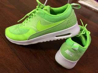 Nike Air Max Thea US 8/ EUR 39/ UK 5.5
