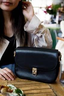 Celine 中古馬車扣黑色真皮風琴箱包 空姐袋 vintage Celine black leather classic box bag with horse carriage clasp lock 🐴