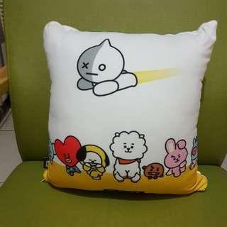 🚚 抱枕(內含小棉被,買超過200元即贈送)