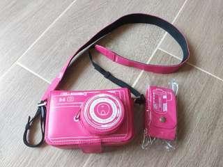 LogOn粉紅相機袋(膠皮)