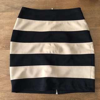 🚚 Forever 21 條紋短裙