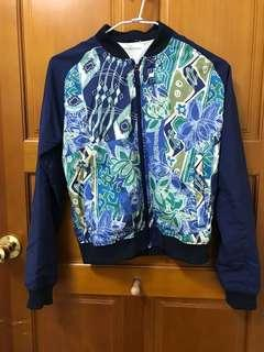 🚚 Fuse 艾莉著用 深藍拼接圖騰外套 #十月女裝半價
