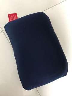 2-way travel pillow