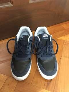 Nike Delta Force | size 38.5 | Navy