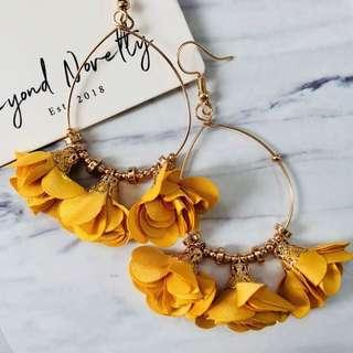 🚚 [SOLD OUT] Ava Rose Earrings (Mustard)