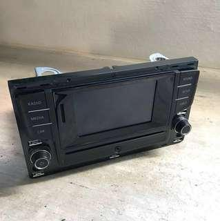 VW Golf MK7 1.2 - Original Head Unit(used for 3months only) Perfect Condition. It's a touchscreen