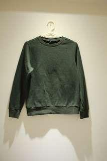 Uniqlo sweater Boys size 150 army green