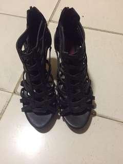 heels cardinal black
