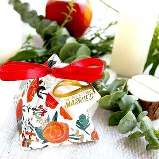 PO Red Floral Design Pyramid Candy Favor Paper Box
