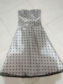 Tube party dress tile