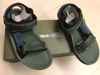 (交換)Madness x Teva Sandals