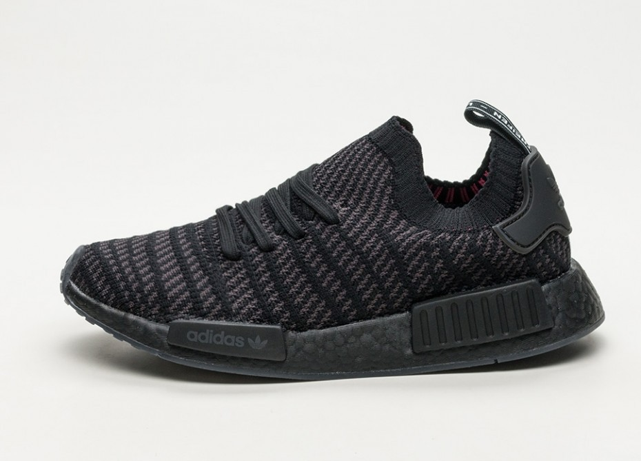 42a0a54460584 Adidas NMD R1 STLT R1 (Black